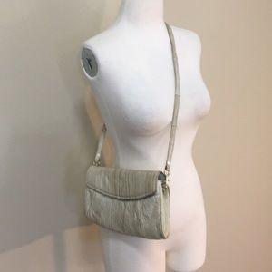 Eelskin of white shoulder bag, ostrich interior